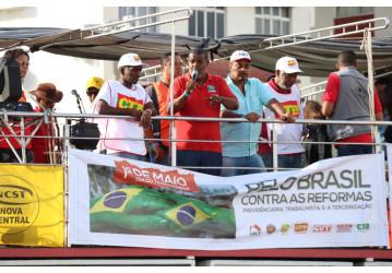 Evento unificado comemora Dia do Trabalhador e continuação da luta contra retirada de direitos