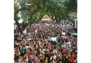 Mulheres mostram sua força em ato histórico que levou multidão às ruas contra o fascismo – elas disseram #EleNão