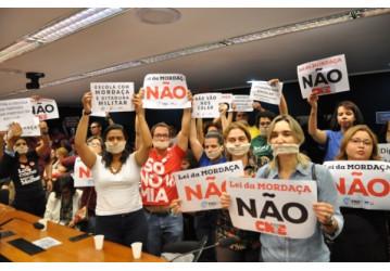 Mobilização na Câmara impede votação do Projeto 'Escola Sem Partido