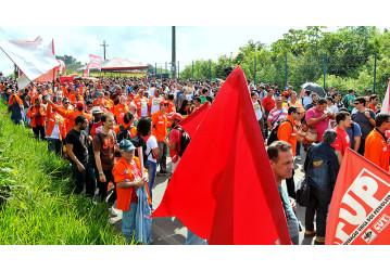Mobilização na Rlam reúne cerca de 2 mil petroleiros e abre XVII Confup; confira o vídeo