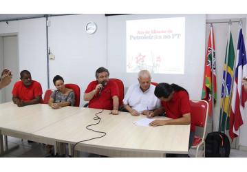 Após dois anos, o petroleiro Radiovaldo Costa volta ao time do PT na Bahia