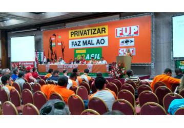 Congresso da FUP prossegue neste sábado com debates sobre reformas, igualdade de gênero e setor petróleo
