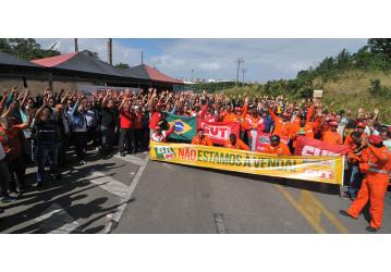 Após vitória, petroleiros da Bahia suspendem greve na RLAM - confira o vídeo