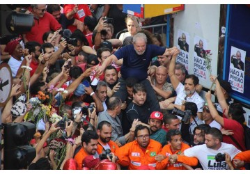 Lula, seremos suas ideias, seus sonhos e suas pernas