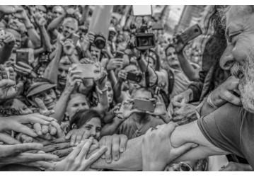 Presidente do TRF4 mantém Lula preso, após manobras de Moro e Gebran Neto