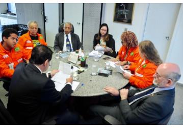 Pressão dos trabalhadores surte efeito e Senado não pede urgência em projeto de entrega da Cessão Onerosa