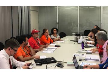 Redução de efetivos: FUP denuncia fraudes em regimes e jornada de trabalho na Petrobrás