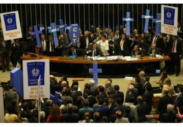 Denunciados pela CUT, parlamentares que traíram trabalhadores não se reelegeram