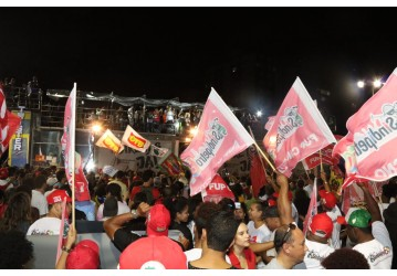 Mais de 100 mil no Farol da Barra exigem DIRETAS JÁ e FORA TEMER
