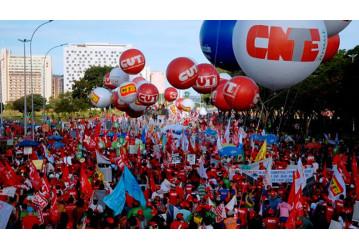 CUT e centrais deflagram estado de greve contra o desmonte da Previdência Social