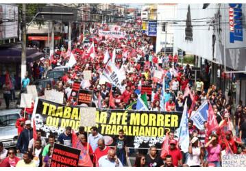 CUT chama novos protestos em 18/4 contra Reforma Trabalhista