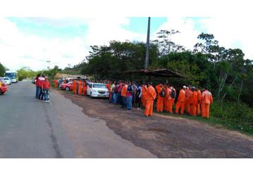 Miranga - trabalhadores cruzam os braços em protesto contra insegurança