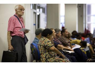 Emenda à reforma da Previdência impede aposentado de continuar no emprego