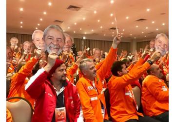 Petroleiros ocupam Brasília dia 15 por Lula livre e presidente