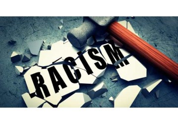 Advogada negra foi presa diante de advogados covardes