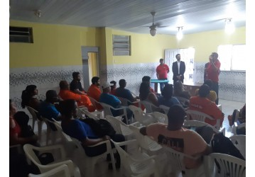 Diretores do Sindipetro se reúnem com ex-trabalhadores da JPTE para discutir salários atrasados