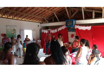 Sindipetro Bahia homenageia as marisqueiras de Passé no Dia das Mães