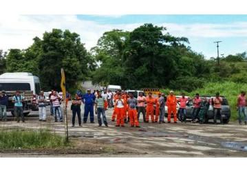 Perbrás- Revoltados, trabalhadores cruzam os braços em protesto após morte de plataformista