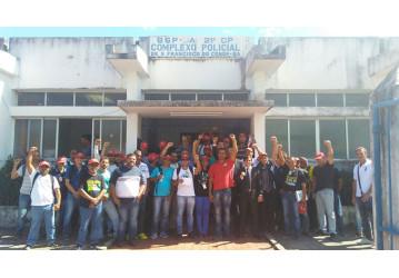 Petroleiros da Bahia prestam queixa em delegacia contra direção da Petrobrás e gerentes que reduziram efetivo mínimo na Rlam