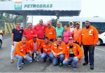Petroleiros intensificam reação contra o desmonte do Sistema Petrobrás, em mobilização na FAFEN-BA/UTE-RA