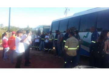 PetroRecôncavo - trabalhadores paralisam em protesto a ato antissindical