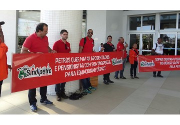 Categoria protesta contra equacionamento do plano Petros