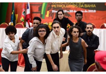 Defesa da soberania e da Petrobrás é encenada em peça teatral no  congresso dos petroleiros