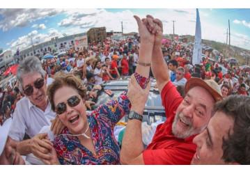 Em grande festa popular, Lula e Dilma inauguram transposição do rio São Francisco
