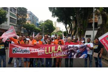 Manifestação em Salvador denuncia que eleição sem Lula é fraude