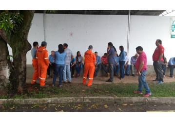 PSG – empresa não paga salários e trabalhadores paralisam atividades