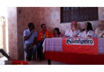 Secretaria de Gênero, Etnia e Juventude do Sindipetro leva formação à sociedade