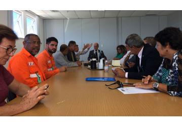 Sindipetro se reúne com deputados para discutir situação do refino na Bahia
