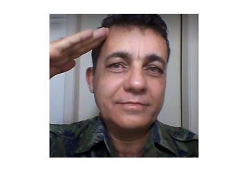 Quem é o 'militar' que disparou sua arma no meio da caravana de Lula em Salvador. Por Mauro Donato
