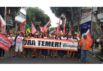 Passeata em Salvador exige FORA TEMER E DIRETAS JÁ!