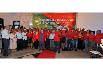 Nova Diretoria do Sindipetro Bahia toma posse em noite festiva; confira o vídeo