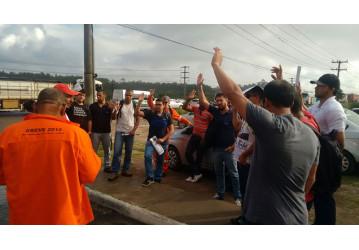 Em assembleias, 99,7% dos petroleir@s da Bahia aprovam  greve de 24 horas na sexta, dia 28