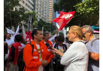 Petroleiros protestam no Rio e em todo o país contra a entrega da Petrobrás