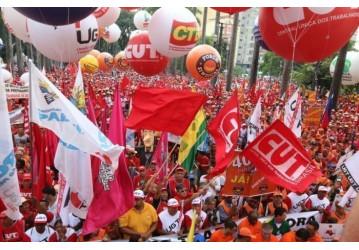 CUT e demais centrais repudiam declarações do vice de Bolsonaro contra direitos