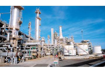 Black Friday: Parente coloca 06 refinarias na lista de entrega