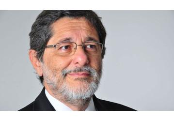 'Petrobras integrada é melhor do que desintegrada', diz Sergio Gabrielli