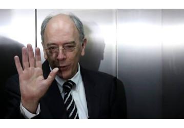 Pedro Parente afronta o povo e aumenta de novo a gasolina
