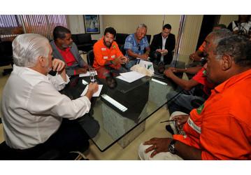 Sindipetro e CUT cobram posicionamento do governador Rui Costa sobre privatização do Sistema Petrobrás