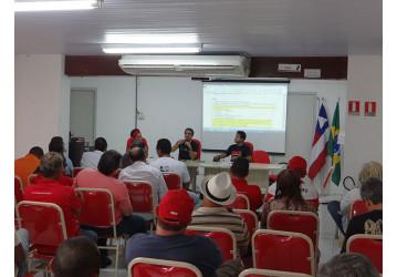 Sindipetro faz reunião com presença do coordenador da FUP