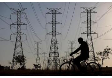 Plano de demissão da Eletrobras antecipa privatização, alerta FNU