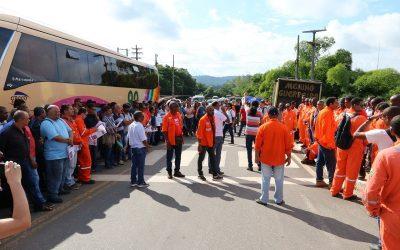 Bahia – Em mobilização, petroleiros reafirmam união para lutar por seus direitos e contra a privatização da Petrobrás