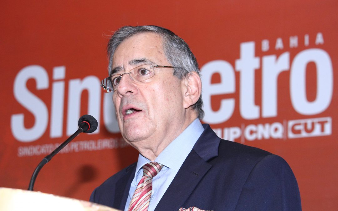 Petroleiros lamentam morte de Paulo Henrique Amorim