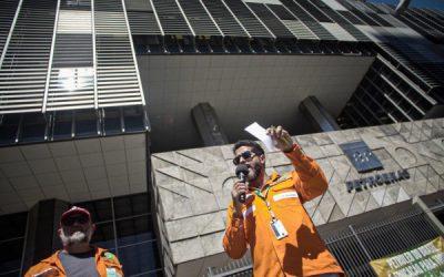 Petroleiros fazem ato contra privatização da Petrobrás