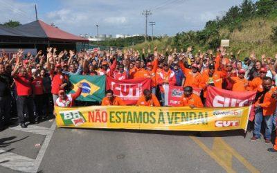 Plano estratégico da Petrobras prioriza acionistas em detrimento do povo brasileiro