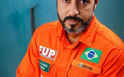 """Leia a entrevista do Coordenador  da FUP, Deyvid Bacelar, sobre  o """"esquartejamento""""  da Petrobrás,  a política de preços da estatal  e a disparada no preço dos  combustíveis"""