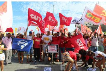 A CUT Bahia unifica com centrais e realiza um poderoso ato no 1º de maio que fortalece nacionalmente a mobilização por Lula livre
